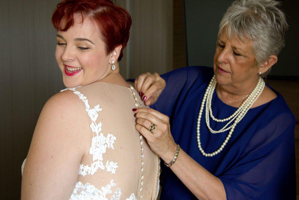 bride getting ready, oxnard wedding photography